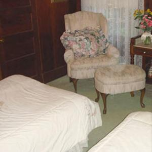A seating area at Fairview Manor Bed and Breakfast