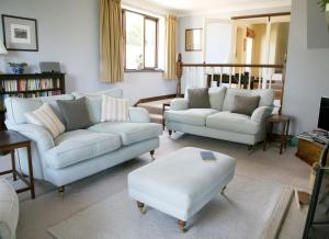 A seating area at Meadowbank House Bed and Breakfast