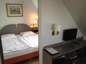 A bed or beds in a room at Casa Chiara