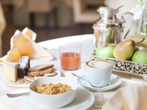 Breakfast options available to guests at Hotel Due Mori