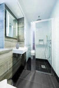Um banheiro em Generator London