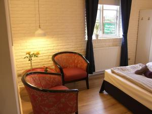 A seating area at Klintholm Bed & Breakfast