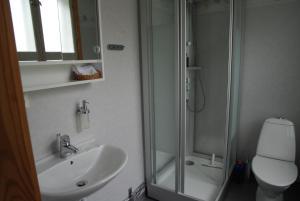 A bathroom at Alebo Pensionat