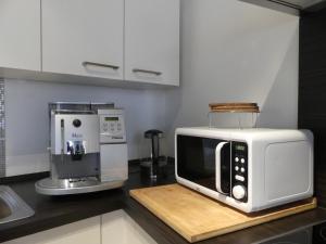 A kitchen or kitchenette at Ferien Wohnung Soldic