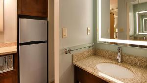 A bathroom at Best Western Ocean Reef Suites