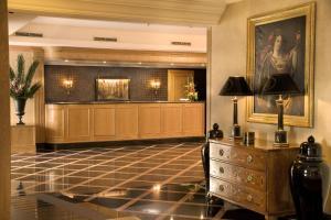 Una cocina o zona de cocina en Hotel Real Palacio