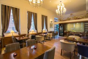 A restaurant or other place to eat at Boutique Hotel Kotoni