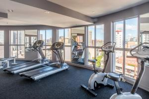 The fitness center and/or fitness facilities at Seasons Darling Harbour