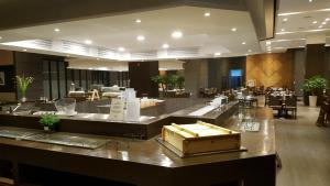 A restaurant or other place to eat at Hotel Prumir