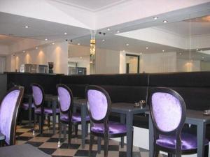 The lounge or bar area at Hotel Aleksandra