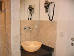 A bathroom at Hotel Aleksandra