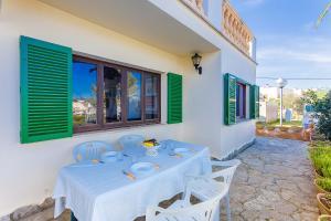 Un restaurante o sitio para comer en Can Sard