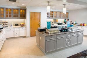 A kitchen or kitchenette at Homewood Suites by Hilton Colorado Springs-North