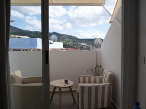 A balcony or terrace at La Petite Chefchaouen