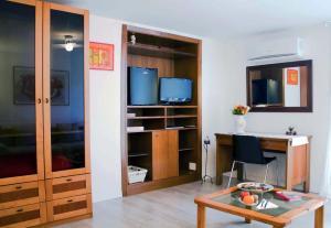 A kitchen or kitchenette at B&B Antica Napoli