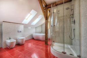 Ein Badezimmer in der Unterkunft St. Havel Residence