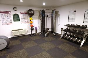 The fitness center and/or fitness facilities at Arden Star Hotel