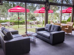 A seating area at Mannum Motel