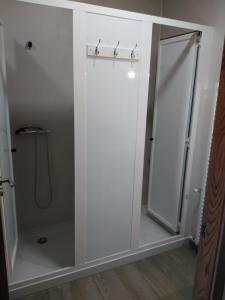A bathroom at Albergue Pension Porta Santa
