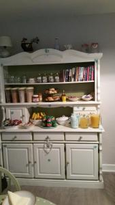 A kitchen or kitchenette at Bridge View B&B