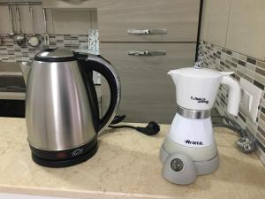 Set per la preparazione di tè e caffè presso Your home in Napoli