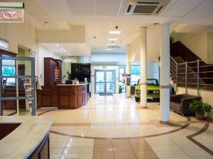 Hol lub recepcja w obiekcie Hotel Restauracja Autos