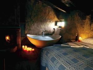 A bathroom at Sextantio Albergo Diffuso