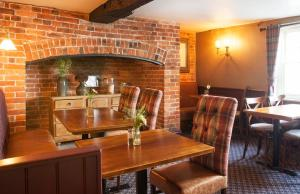 A kitchen or kitchenette at The Green Dragon