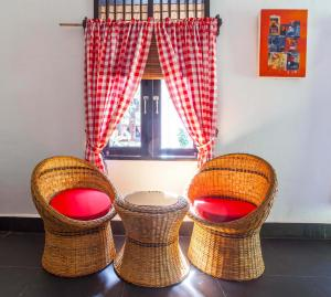 A seating area at EcoTravel Cottages Bukit Lawang