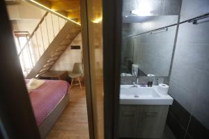 Ένα μπάνιο στο 11City Rooms