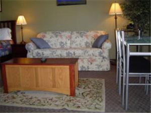 A seating area at Carravalla Inn