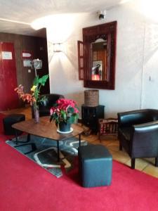 Hall ou réception de l'établissement Larmor Plage Hotel