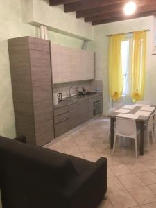 A kitchen or kitchenette at Il Nido
