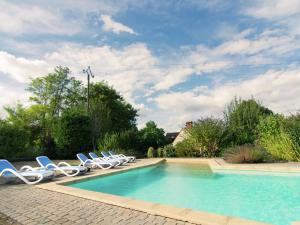 The swimming pool at or near Charming Holiday Home in Anglars-Nozac with Swimming Pool