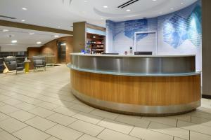 The lobby or reception area at SpringHill Suites by Marriott Pittsburgh Bakery Square
