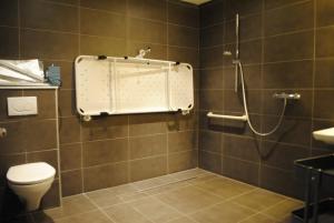 Een badkamer bij Equus