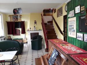 The lobby or reception area at Le Repos du Marinier