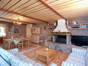 A seating area at Exquisite Villa with Sauna in Cesena