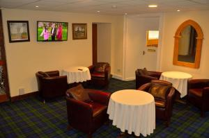 The lounge or bar area at Spean Bridge Hotel