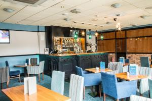 A restaurant or other place to eat at Best Western Wakefield Hotel St Pierre