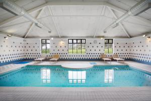 The swimming pool at or near Jurys Inn East Midlands Airport (on-site)