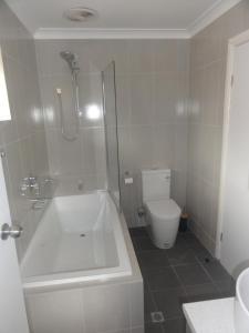 A bathroom at Prime location & spacious