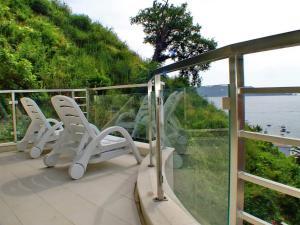 En balkong eller terrasse på Meridian Hotel