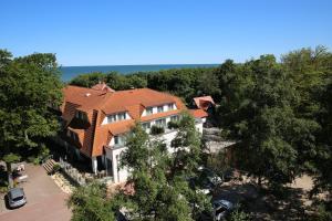 A bird's-eye view of Hotel Haus am Meer