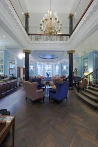 A restaurant or other place to eat at Hotel du Vin Cannizaro House Wimbledon