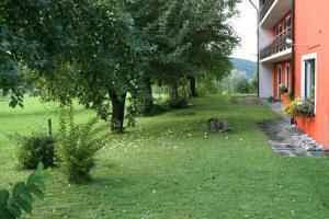 Ein Garten an der Unterkunft Bergener Hof