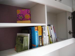 Biblioteca en el apartamento