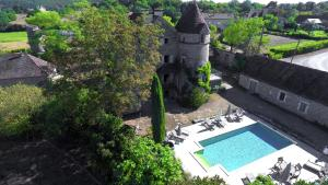 A view of the pool at Mas de Garrigue or nearby