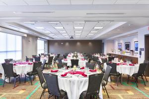 A restaurant or other place to eat at Residence Inn by Marriott Pullman
