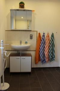 Ein Badezimmer in der Unterkunft Fewo Bemmann